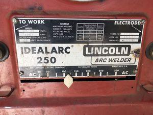 Idealarc 250 tombstone Lincoln arc welder for Sale in Turlock, CA