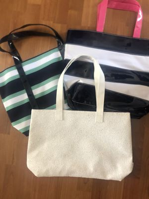 Three new Estée Lauder and Clinique tote bags for Sale in Owings Mills, MD