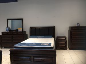 BEAUTIFUL GLORIA BDRM SET. KING$1199 QUEEN $1099. SET INCLUDES BED, DRESSER, MIRROR, NIGHTSTAND. ADD ON CHEST FOR ONLY $299. SAME DAY DELIVERY! NO CR for Sale in Saint Petersburg, FL