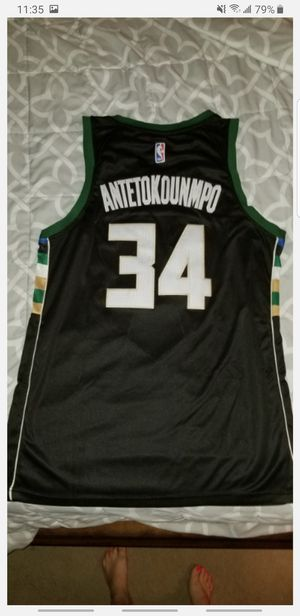 New with tags Giannis Antetokounmpo jersey Size L for Sale in Gilbert, AZ
