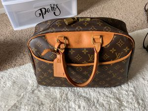 Deauville-vintage hand bag in monogram canvas and natural leather for Sale in Winchester, CA