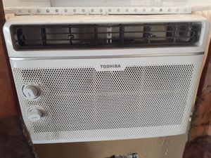 Ac unit Toshiba $110 obo energy saver for Sale in Apple Valley, CA