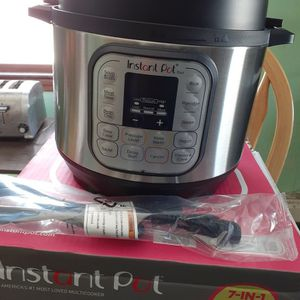 Instant Pot Multi- Use Pressure Cooker for Sale in Woburn, MA
