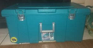 Sterilite lockable trunk with wheels for Sale in Austin, TX