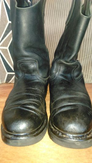 Boots men's 8 wide for Sale in Chicago, IL