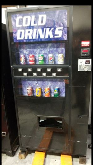 Cold Drink/Snack Vending Machine by Frigidaire for Sale in Brookeville, MD