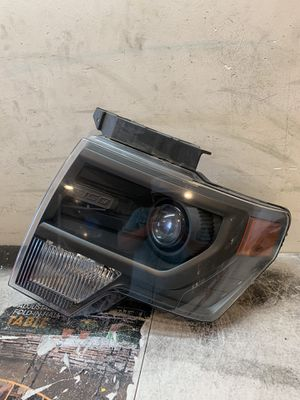 Headlight Ford F-150 raptor 2009 2010 2011 2012 2013 2014 for Sale in Los Angeles, CA