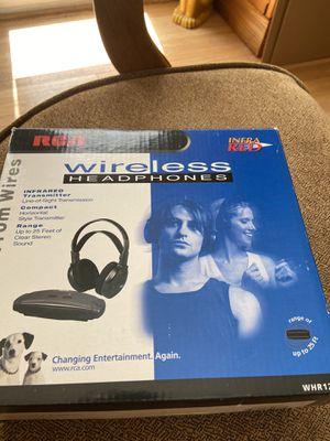 Wireless headphones for Sale in Alexandria, VA