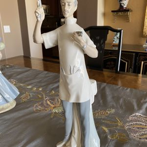 Dentist .... Lladro Figurine for Sale in Sun City West, AZ