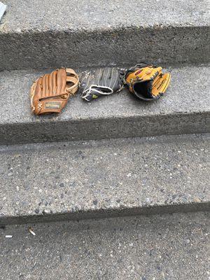 3 kids baseball gloves for Sale in Naugatuck, CT
