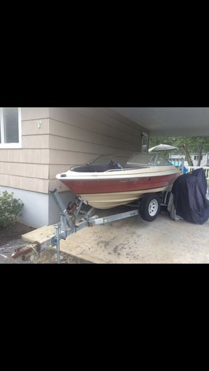 19ft 1982 Bayliner boat with Trailer, tube and rope. $600 if taken by 04/16 for Sale in Marlborough, MA