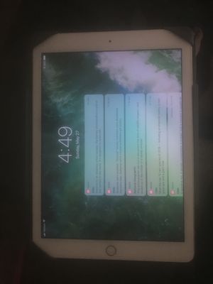 iPad gen 5 for Sale in Powell, OH