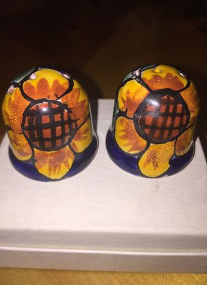 Mexican salt and pepper shakers small excellent condition for Sale in Pacifica, CA