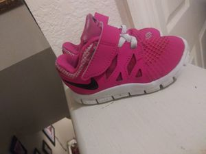 Girls Tennis Shoes (size 5) for Sale in Dunedin, FL