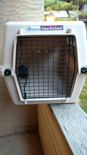 Petmate deluxe vari Kennel 27 x 21 x 21 dog carrier for Sale in Columbus, OH