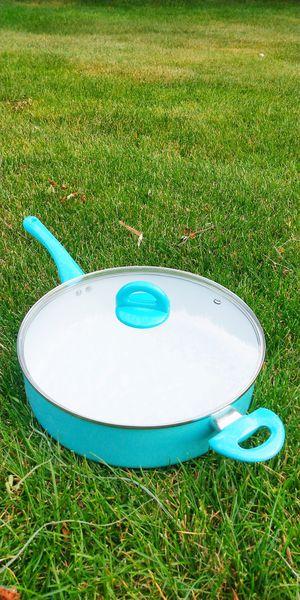 "New 12"" Aluminum Tuexdo fry pan pot cooking for Sale in Montville, NJ"