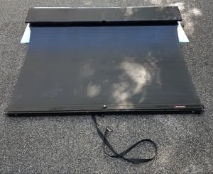 Roll n lock retractable bed cover Ford F-150 for Sale in York, PA