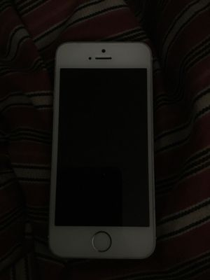 iPhone 5 Silver for Sale in Baltimore, MD