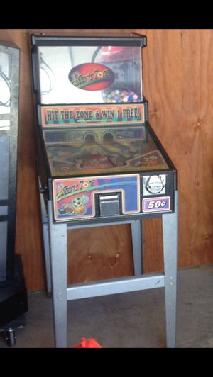 Coin operated pinball for ball or candy vend arcade for Sale in Fresno, CA
