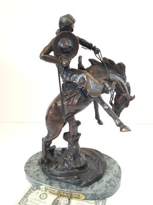$325! Awesome BRONZE Charles m russell statue for Sale in Tacoma, WA