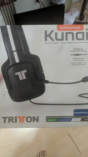 Headphones, mic, gaming, tritton for Sale in Fountain Valley, CA