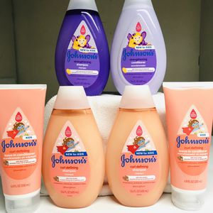 JOHNSONS SHAMPOO AND CONDITIONER BUNDLE for Sale in Los Angeles, CA
