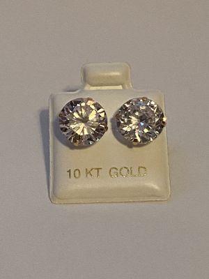10k gold diamond earrings for Sale in Rancho Cordova, CA