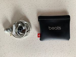 Like New Beats Earbuds and Pouch for Sale in Austin, TX