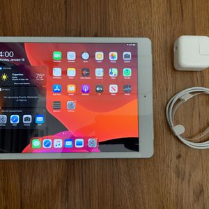 Apple iPad 10.2in 7th Generation 32gb Wifi and Cellular for Sale in Pacifica, CA