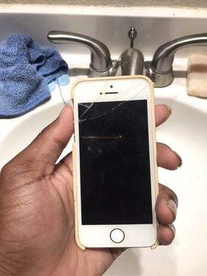 iPhone 5 SE for Sale in Elk Grove, CA