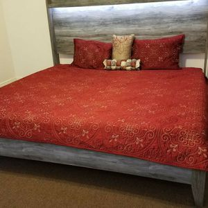 Ashley Furniture King Bed (New) for Sale in Elmont, NY