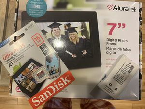 Digital picture frame with sd card and sd reader for PC for Sale in Lacey, WA