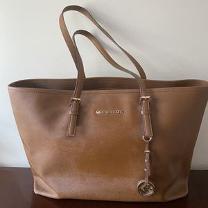 Michael Kors Large tote Bag for Sale in Holliston, MA