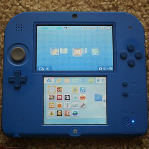 Nintendo 2DS with 4 games, a case, and a charger for Sale in Nashville, TN