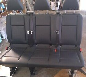 Mercedes METRIS LEATHER BLACK 3 ROW SEAT for Sale in Chicago,  IL