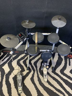 Simmons sd5x electronic drum set for Sale in Las Vegas, NV