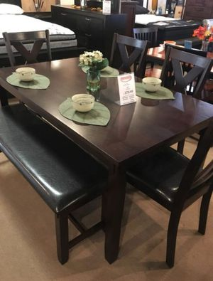 6pcs dining table set wooden top for Sale in Norwalk, CA