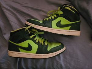 "Air Jordan 1 Retro Mid ""Gorge Green"" / ""Hulks"" for Sale in Fall River, MA"