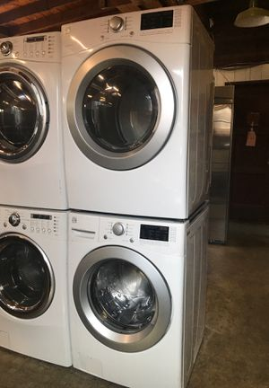 Kenmore connect washer and dryer for Sale in Hayward, CA