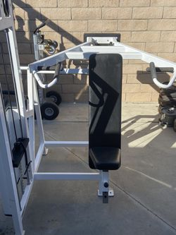 Cybex Shoulder Press for Sale in Corona,  CA