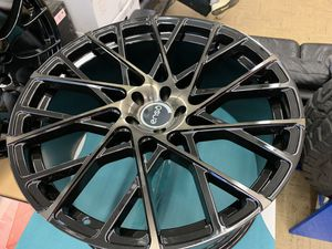 "22"" black enso rims tires set . 5x115 for Sale in Hayward, CA"