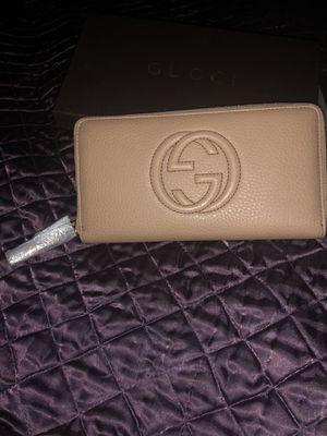 Gucci wallet for Sale in Troy, MI