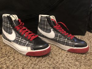 Plaid Nike Shoes Size 8 for Sale in Oakland, CA