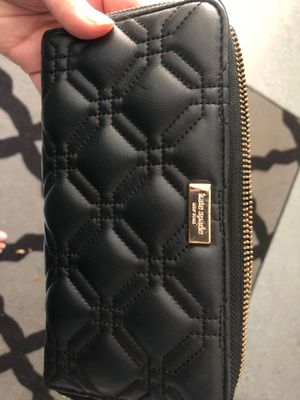 Kate Spade black wallet for Sale in Charlotte, NC