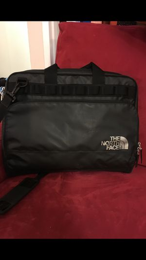 North face messenger bag for Sale in Washington, DC