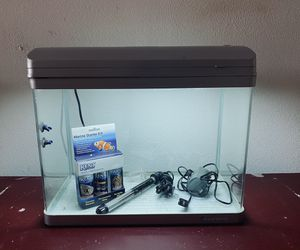 Fish tank 14 gallons for Sale in Chula Vista, CA