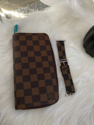 Beautiful brand New wallet and Matching Apple Watch Band for Sale in Hartford, CT