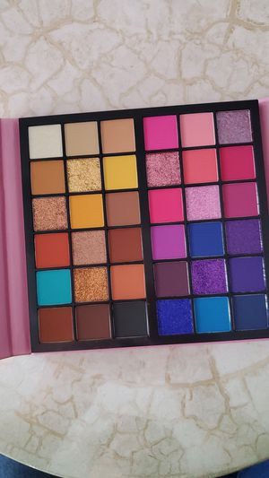 Kara Beauty Duo Palette –36 Colors for Sale in Bakersfield, CA