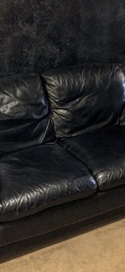 Black Leather Love Seat for Sale in Beaverton,  OR