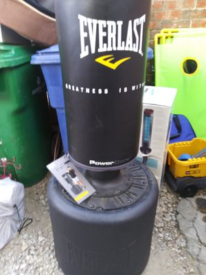 Everlast powercore free-standing punching bag for Sale in Carrollton, TX